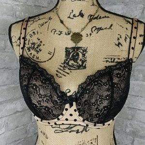B'Tempted Intimate Bra NWOT